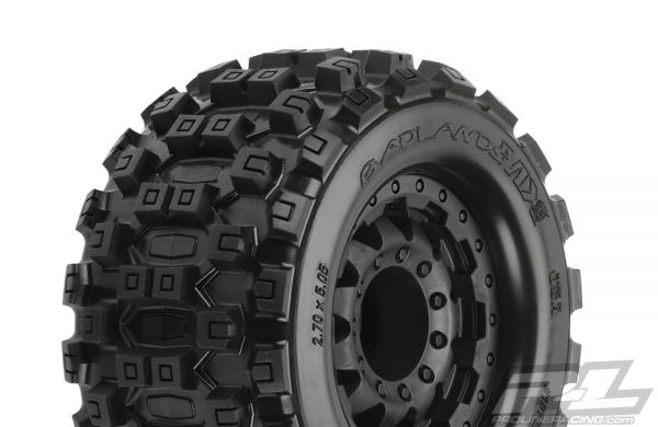 Badlands MX28 4x4 mounted wheels 17mm (2)
